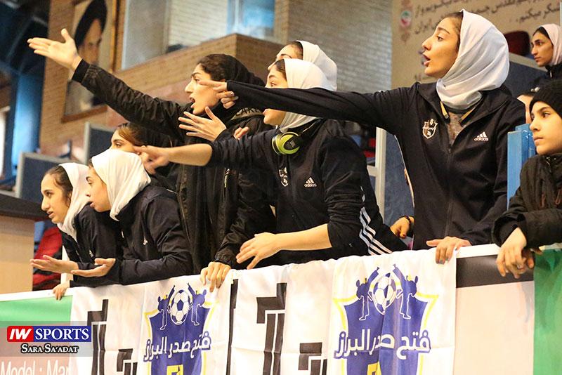 فاطمه صفرپور VS زهرا حسینی   سکوهای لیگ تکواندو به روایت تصویر