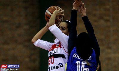 لیگ برتر بسکتبال بانوان دیدار تیم های شکلی تهران و گاز تهران 2 400x240 گزارش تصویری | دیدار شکلی و گاز در هفته سوم لیگ برتر بسکتبال بانوان