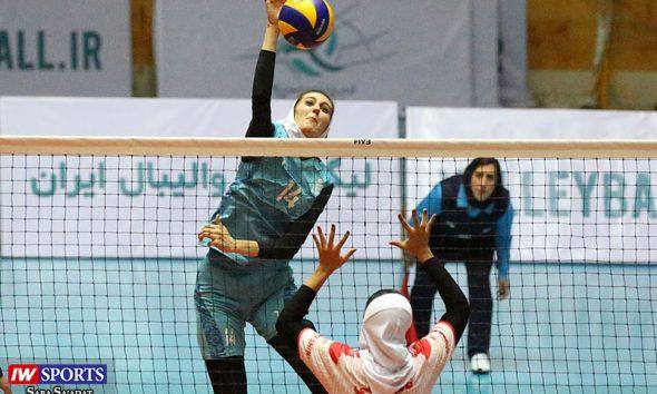 لیگ برتر والیبال بانوان پیکان تهران و افق قم 28 590x354 پیروزی پیکان برابر ستارگان فارس در لیگ برتر والیبال بانوان