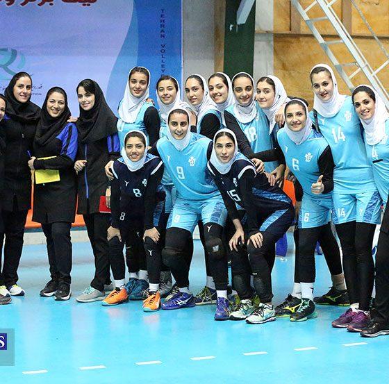 لیگ برتر والیبال بانوان پیکان تهران و افق قم 36 560x553 پیروزی پیکان و باریج اسانس در هفته یازدهم لیگ برتر والیبال بانوان