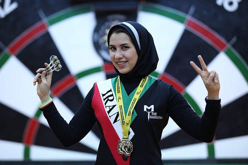 فداکاریهای مژگان رحمانی، ستاره پیشگام دارت ایران برای رسیدن به رویاها