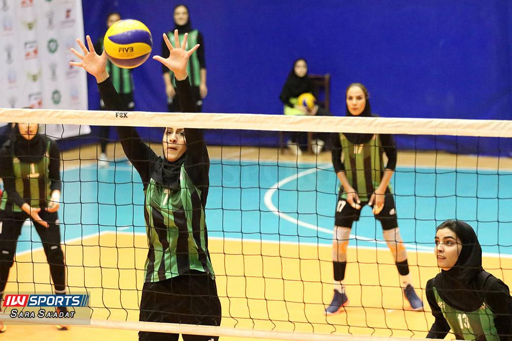 اطلس و ذوب آهن اصفهان در لیگ برتر والیبال بانوان 16 گزارش تصویری   دیدار تیمهای اطلس و ذوب آهن در لیگ برتر والیبال بانوان