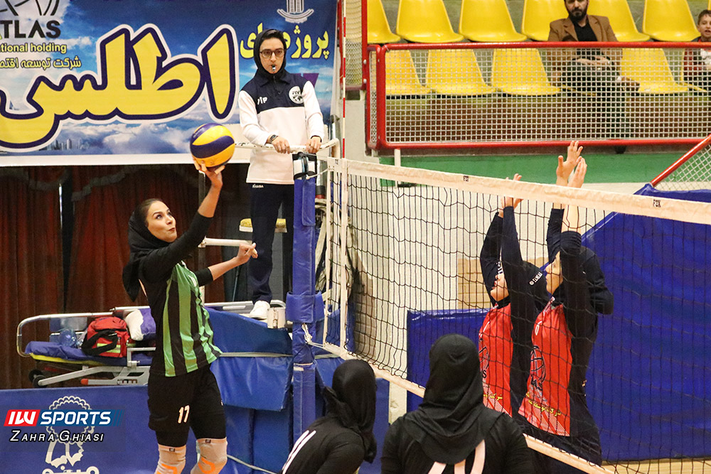 اطلس و ذوب آهن اصفهان در لیگ برتر والیبال بانوان 17 گزارش تصویری   دیدار تیمهای اطلس و ذوب آهن در لیگ برتر والیبال بانوان