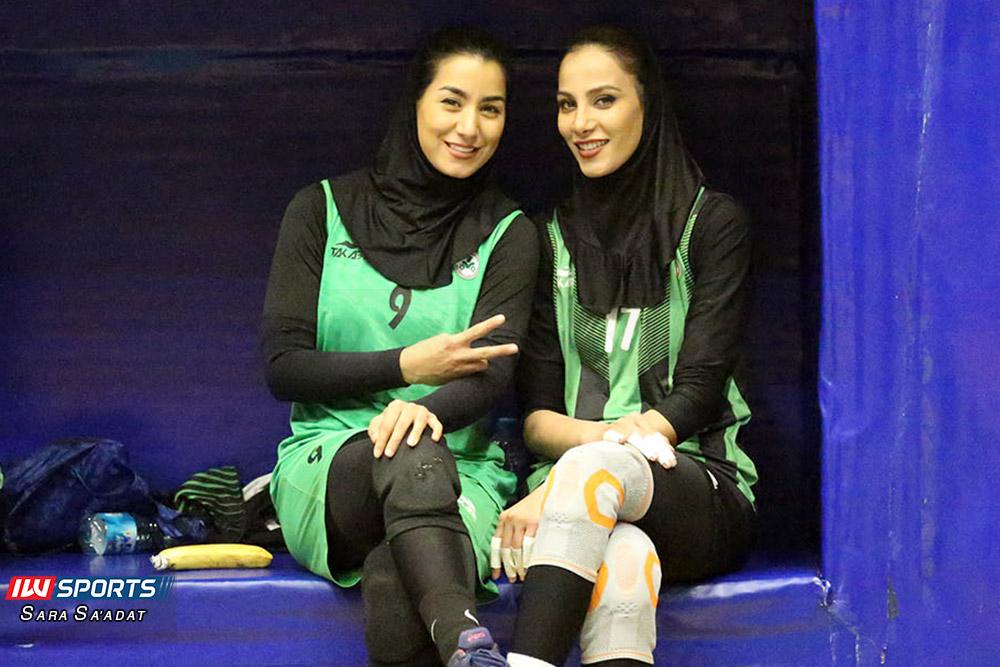 اطلس و ذوب آهن اصفهان در لیگ برتر والیبال بانوان 2 گزارش تصویری   دیدار تیمهای اطلس و ذوب آهن در لیگ برتر والیبال بانوان
