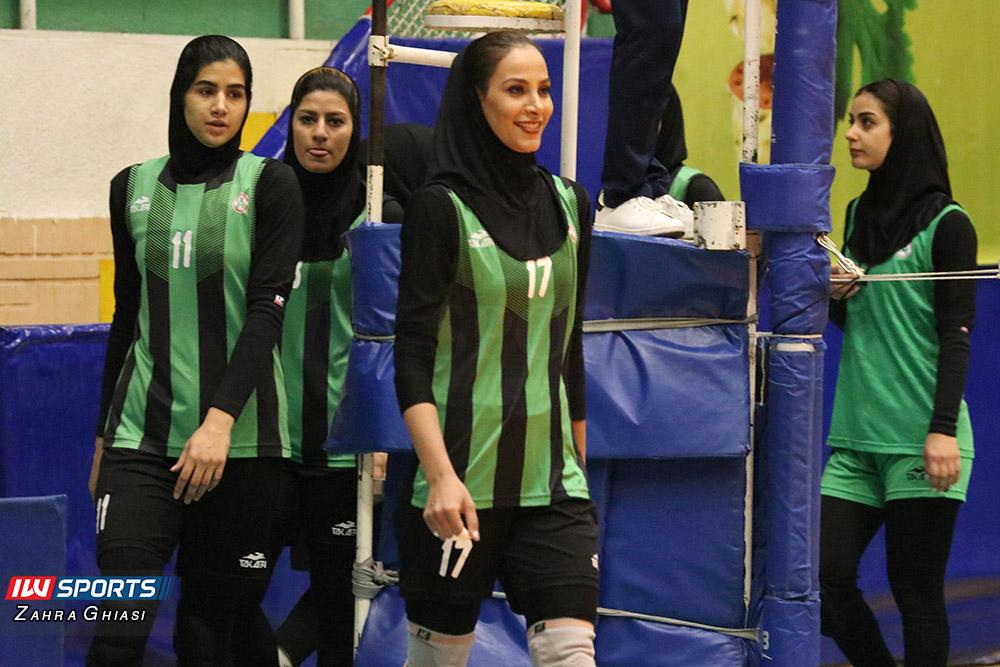 اطلس و ذوب آهن اصفهان در لیگ برتر والیبال بانوان 20 گزارش تصویری   دیدار تیمهای اطلس و ذوب آهن در لیگ برتر والیبال بانوان