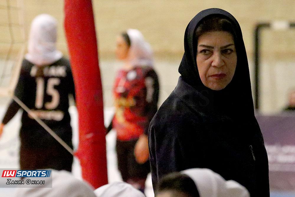 فریبا صادقی : والیبال زنان در ایران در استعدادیابی دچار مشکل است