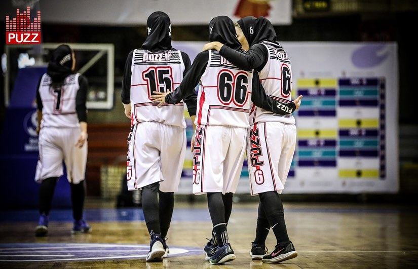 پاسخ به یک انتقاد: عنصر محبوبیت در بسکتبال و والیبال زنان