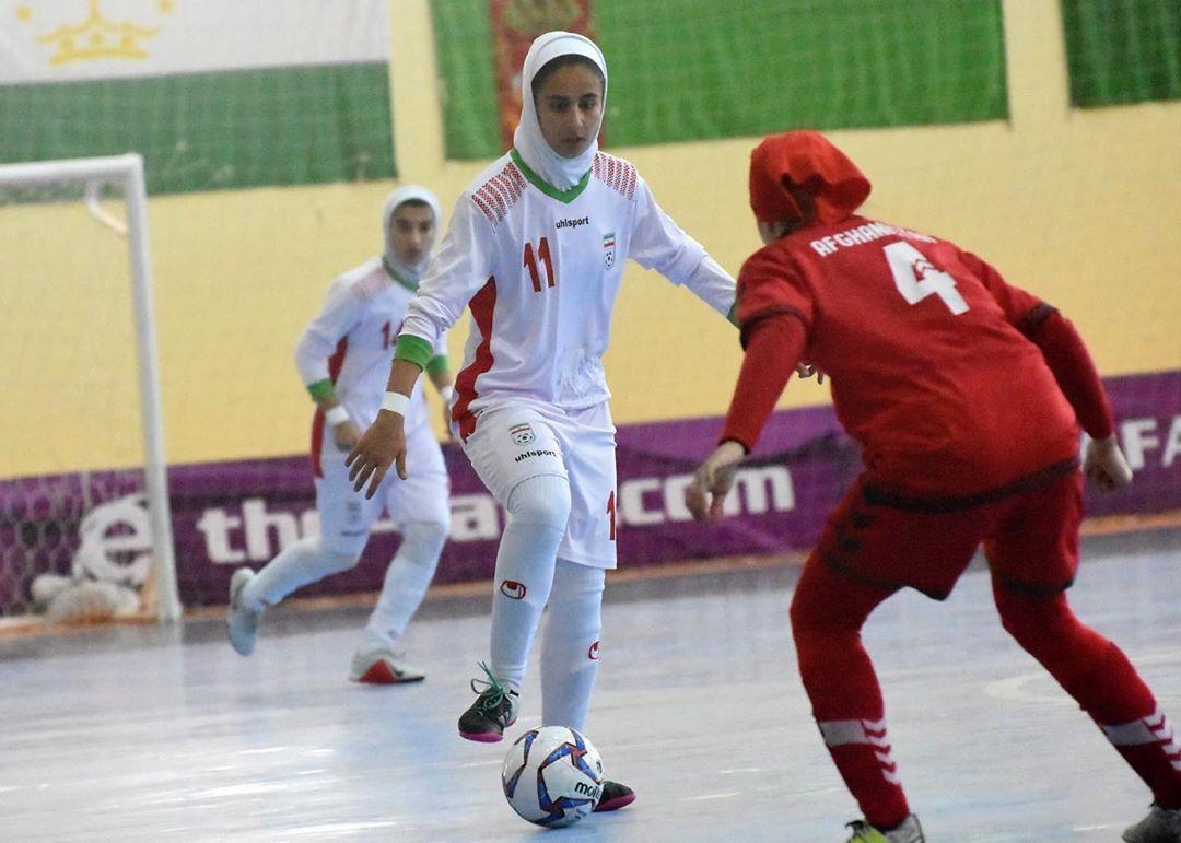 تیم ملی فوتسال زیر 20 سال بانوان در کافا درباره پیروزیهای یک طرفه فوتسال در کافا | مصائب اقتدار مطلق ؛ آنها رقیب خوبی نیستند