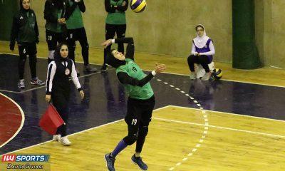 ذوب آهن اصفهان و سایپا لیگ برتر والیبال بانوان 86 400x240 هفته دوازدهم لیگ برتر والیبال | پیروزی آسان صدرنشینان در روز استراحت باریج اسانس