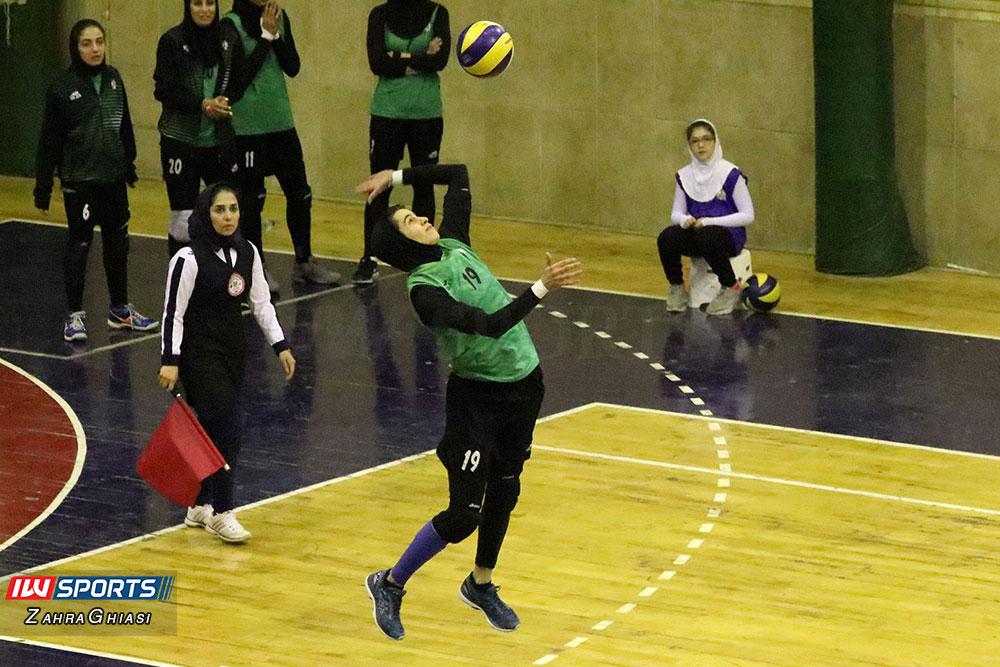 ذوب آهن اصفهان و سایپا لیگ برتر والیبال بانوان 86 هفته دوازدهم لیگ برتر والیبال | پیروزی آسان صدرنشینان در روز استراحت باریج اسانس