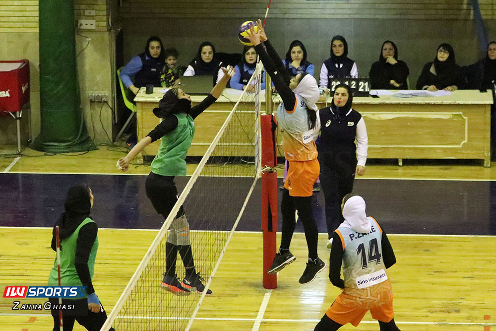 ذوب آهن اصفهان و سایپا لیگ برتر والیبال بانوان 88 گزارش تصویری | دیدار ذوب آهن و سایپا در لیگ برتر والیبال بانوان