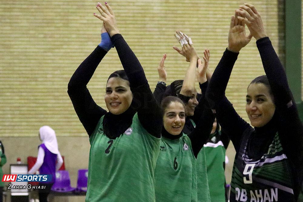 ذوب آهن اصفهان و سایپا لیگ برتر والیبال بانوان 93 گزارش تصویری | دیدار ذوب آهن و سایپا در لیگ برتر والیبال بانوان