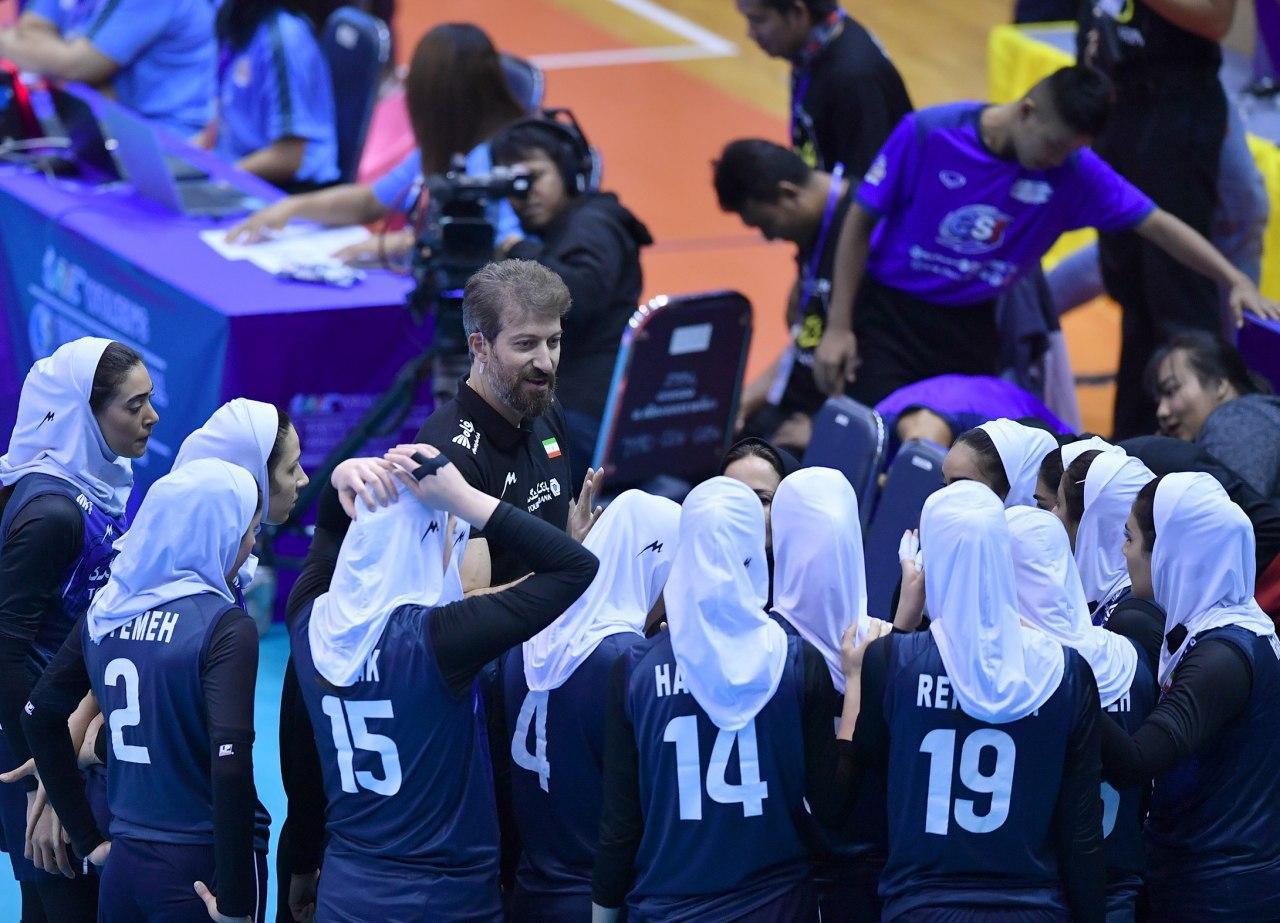 والیبال بانوان ایران و قزاقستان در مقدماتی المپیک 1 تصاویر دیدار تیمهای والیبال بانوان ایران و قزاقستان