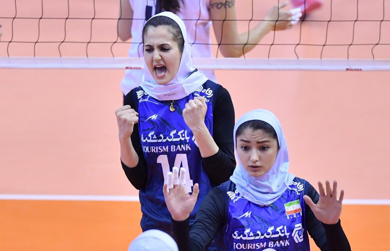 والیبال بانوان ایران و قزاقستان در مقدماتی المپیک 3 تصاویر دیدار تیمهای والیبال بانوان ایران و قزاقستان