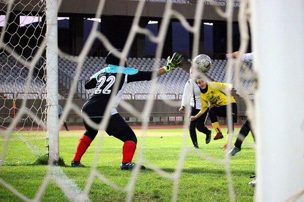 ویروس «کرونا» لیگ برتر فوتبال زنان را تعطیل کرد