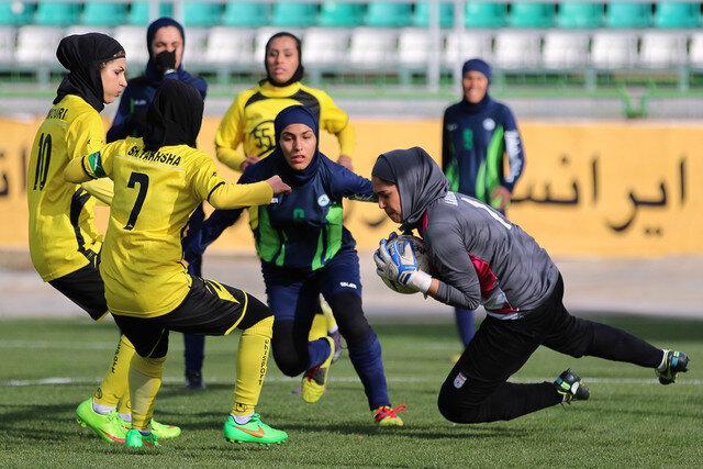 فدراسیون فوتبال به استانهای فعال در بخش زنان کمک میکند