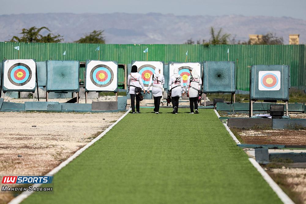 تمرین تیم ملی تیراندازی با کمان ریکرو بانوان در کیش 21 گزارش تصویری تمرین تیم ملی تیراندازی با کمان در جزیره کیش