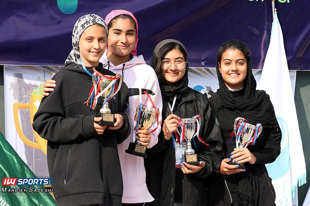 تور تنیس بانوان کیش درسا چراغی رومینا زینالی گزارش تصویری تور تنیس زیر 18 سال دختران در کیش و قهرمانی مشکات الزهرا صفی