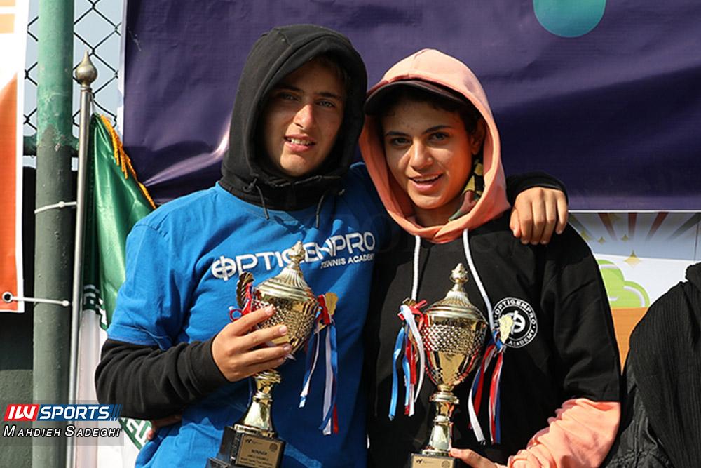 تور تنیس بانوان کیش مشکات الزهرا صفی و مهتا خانلو 3 گزارش تصویری تور تنیس زیر 18 سال دختران در کیش و قهرمانی مشکات الزهرا صفی