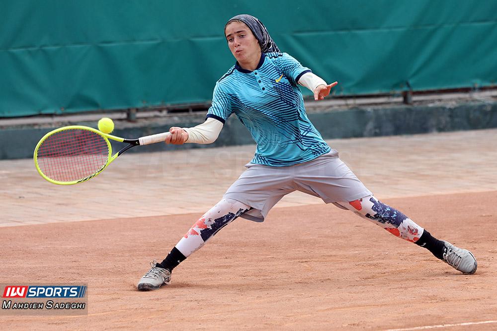 تور تنیس بانوان کیش مشکات الزهرا صفی 9 گزارش تصویری تور تنیس زیر 18 سال دختران در کیش و قهرمانی مشکات الزهرا صفی