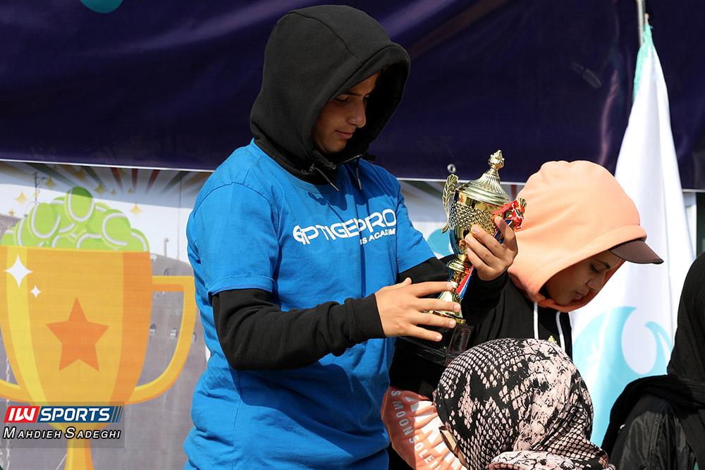 تور تنیس بانوان کیش مشکات صفی گزارش تصویری تور تنیس زیر 18 سال دختران در کیش و قهرمانی مشکات الزهرا صفی
