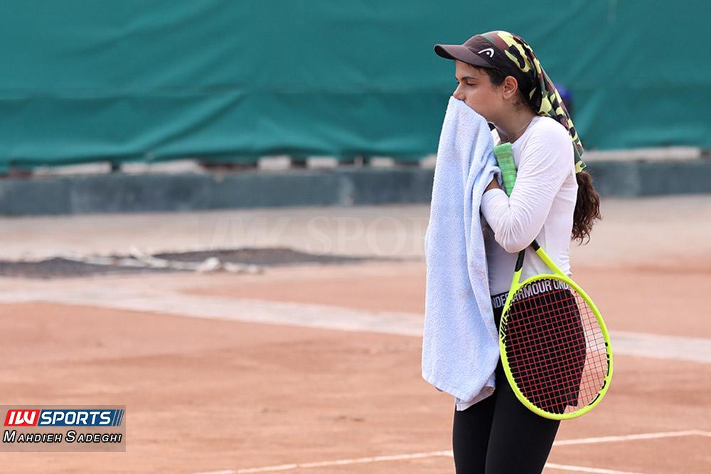 تور تنیس بانوان کیش مهتا خانلو 1 گزارش تصویری تور تنیس زیر 18 سال دختران در کیش و قهرمانی مشکات الزهرا صفی