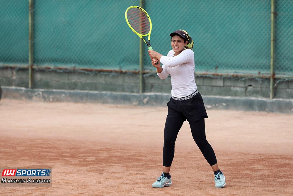 تور تنیس بانوان کیش مهتا خانلو 5 گزارش تصویری تور تنیس زیر 18 سال دختران در کیش و قهرمانی مشکات الزهرا صفی