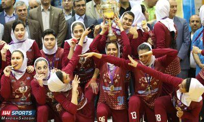 تیم هندبال اشتاد سازه مشهد 400x240 اشتاد سازه مشهد قهرمان لیگ برتر هندبال بانوان شد