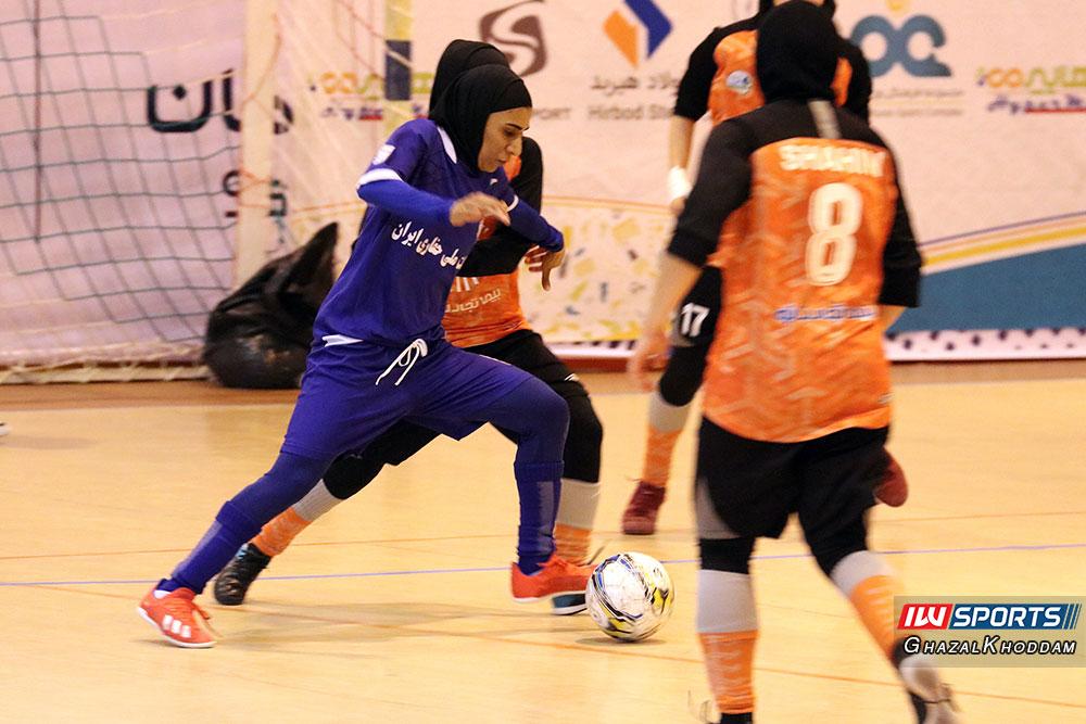 فوتسال بانوان حفاری خوزستان و سایپا گزارش تصویری دیدار سایپا و حفاری خوزستان در نیمه نهایی لیگ برتر فوتسال