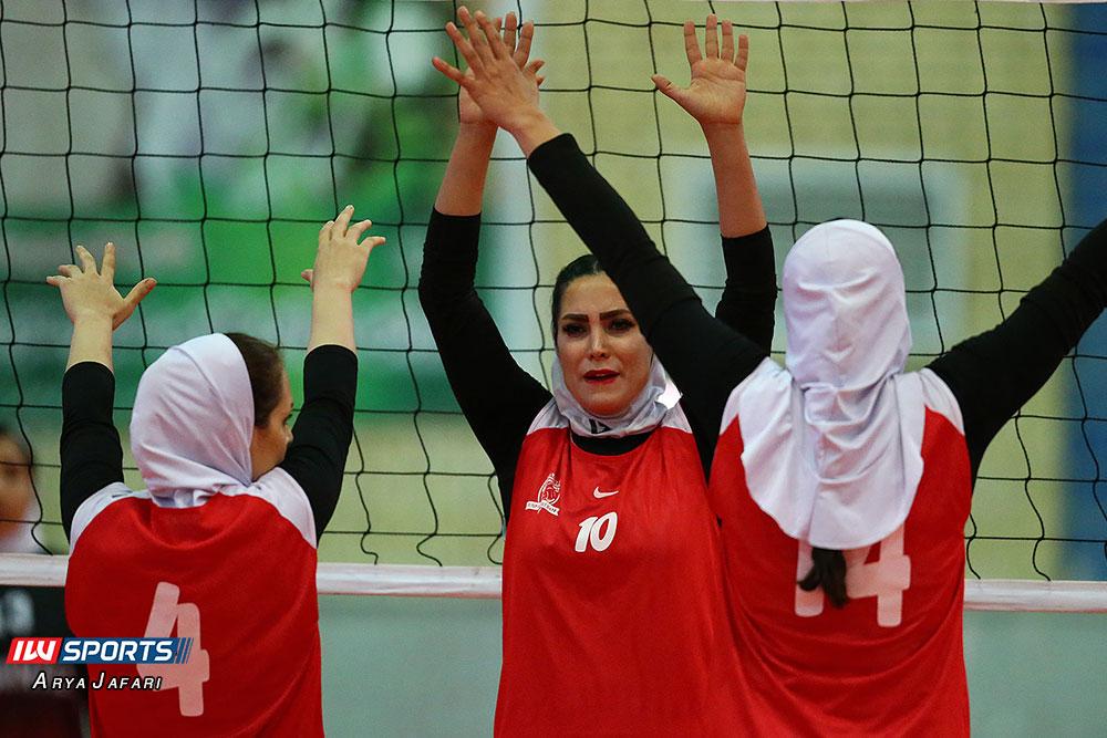 لیگ دسته اول والیبال بانوان ذوب ممتاز اصفهان و آریانا ماهشهر 5 گزارش تصویری دیدار ذوب ممتاز اصفهان و آریانا ماهشهر در لیگ دسته اول والیبال بانوان