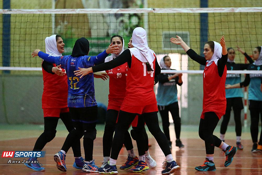 لیگ دسته اول والیبال بانوان ذوب ممتاز اصفهان و آریانا ماهشهر 7 گزارش تصویری دیدار ذوب ممتاز اصفهان و آریانا ماهشهر در لیگ دسته اول والیبال بانوان