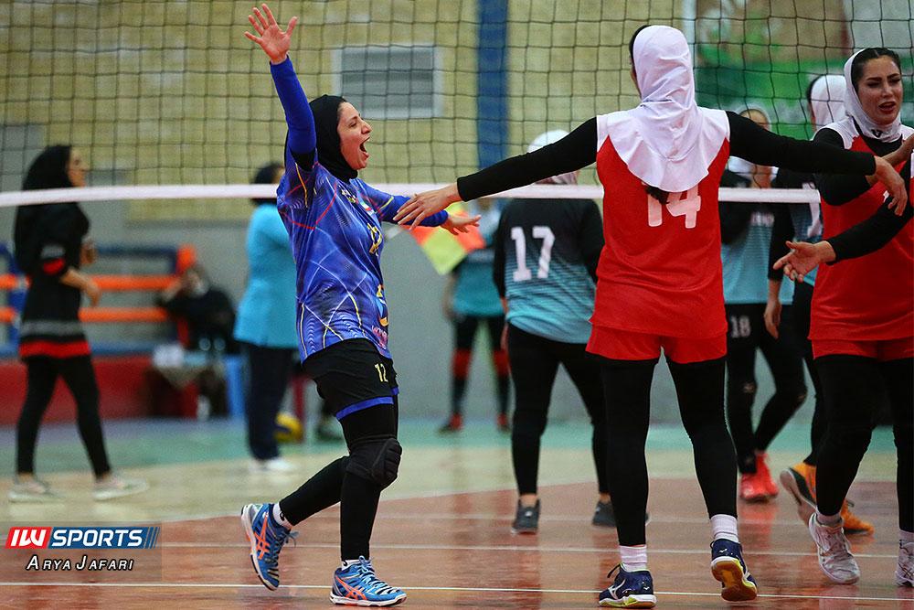 لیگ دسته اول والیبال بانوان ذوب ممتاز اصفهان و آریانا ماهشهر 9 گزارش تصویری دیدار ذوب ممتاز اصفهان و آریانا ماهشهر در لیگ دسته اول والیبال بانوان