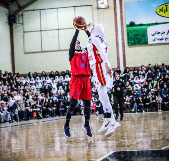 بانوان شهر گرگان و گروه بهمن در فینال لیگ برتر بسکتبال زنان 560x533 هواداران بسکتبال گرگان ؛ نقطه عطف ورزش زنان ایران