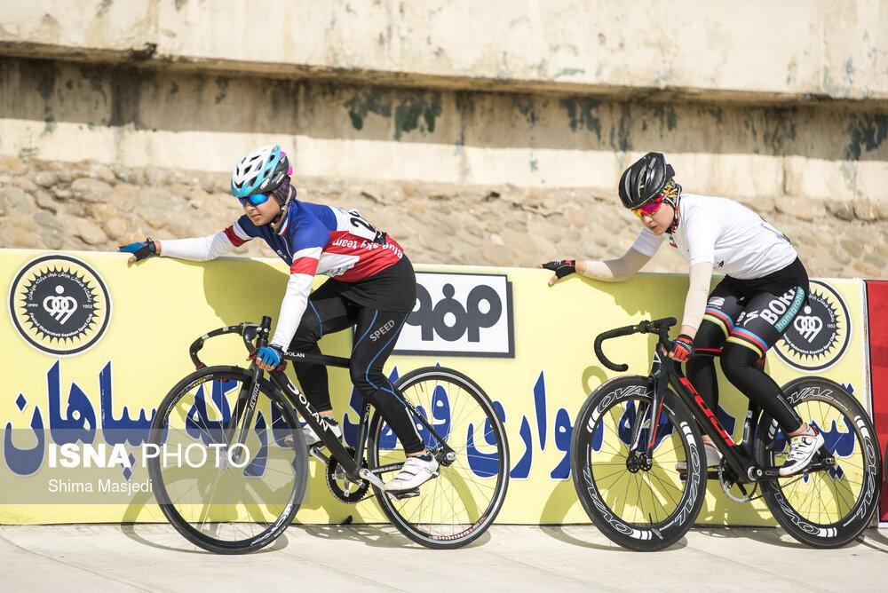 اعتراض دختران رکابزن به قراردادهای لیگ دوچرخه سواری بانوان