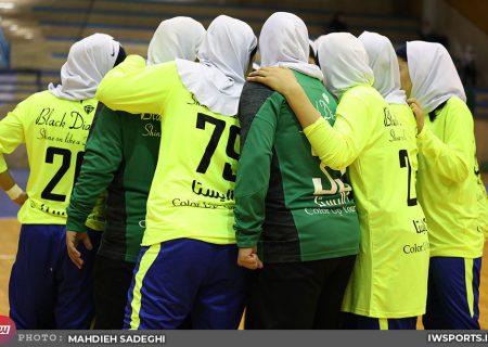 شاملی کازرون 33 ذوب آهن 17 | سایه شکست روی بخش سبز رنگ اصفهان