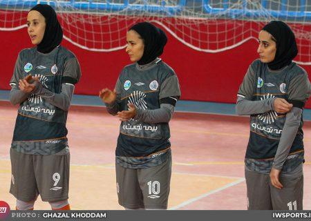 پویندگان شیراز ۱ سایپا ۱۰ | پیروزی در شیراز، بدون دروازهبان و با ۸ بازیکن