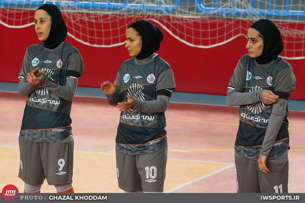 پویندگان شیراز ۱ سایپا ۱۰   پیروزی در شیراز، بدون دروازهبان و با ۸ بازیکن