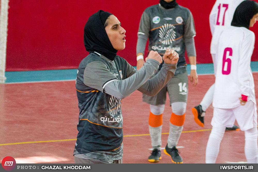 ویدئو : دیدار نامی نو اصفهان و سایپا در لیگ برتر فوتسال بانوان
