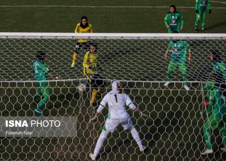 فوتبال مردان، مسابقات گروه اول لیگ زنان را به تعویق انداخت