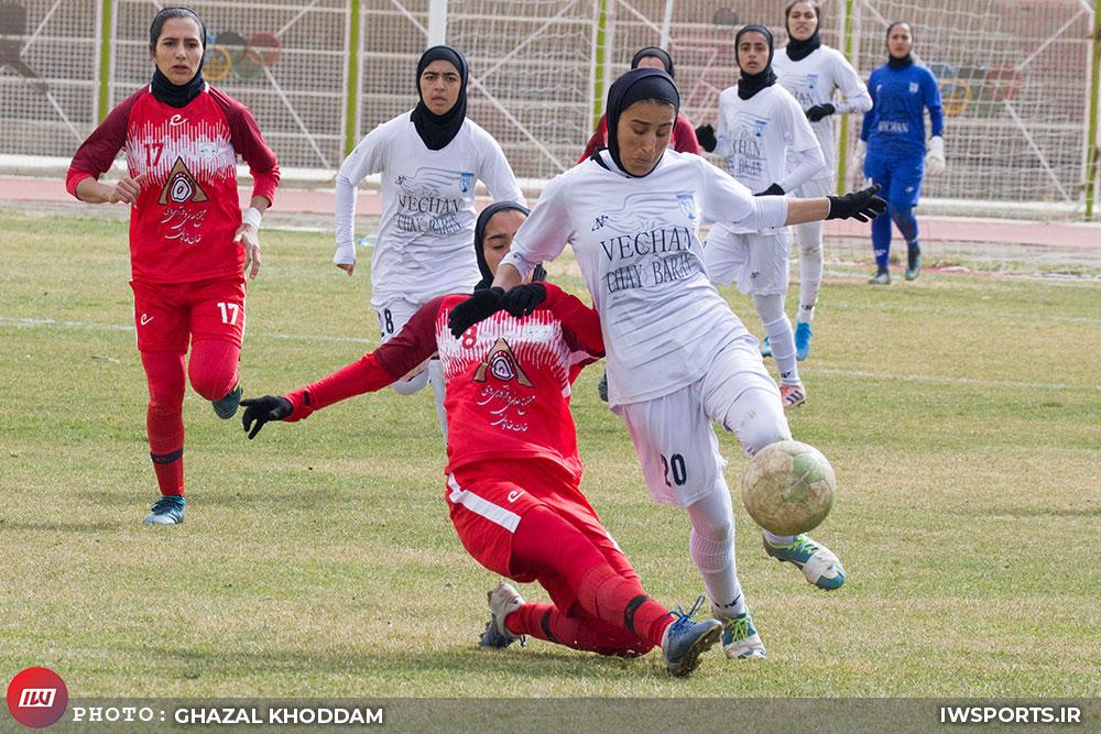 سمیه خرمی فوتبال زنان وچان کردستان شهرداری بم