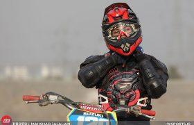 تصاویر موتورسواری زنان در مشهد | عشق زیر دکل
