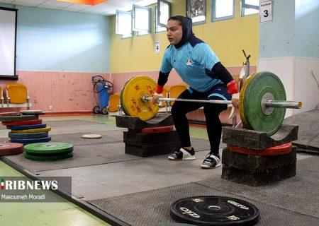 فروغ یونسی در وزنه برداری زنان آسیا با ۲ مهار موفق به کار خود پایان داد