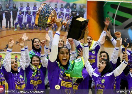 تصاویر جشن قهرمانی پالایش نفت آبادان در لیگ برتر فوتسال بانوان