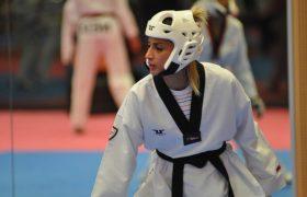 المپیک توکیو | شکست دینا پوریونس تکواندوکار ایرانی تیم پناهندگان