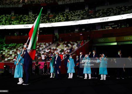 رژه کاروان ایران در المپیک توکیو | لباس فیروزه ای حذف نشد